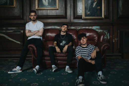 SHADED Have Just Revealed Their Brand New Single And Video For A Familiar Love The Was Shot At Woolton Hall In Liverpool It Sees Band Performing